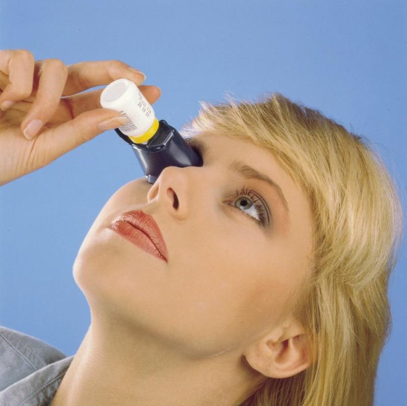 PROFI Hilfe Eintröpfelhilfe für Augentropfen Eintrofphilfe Augen offen halten